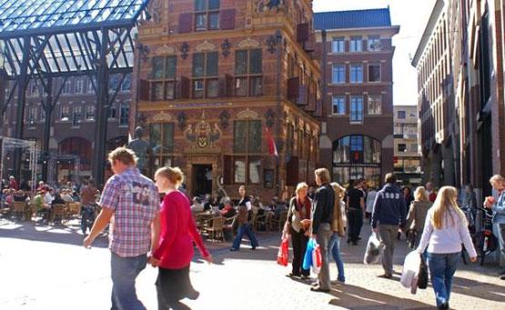 Te huur Zeilschip als groepsaccommodatie voor 34 personen in de stad Groningen