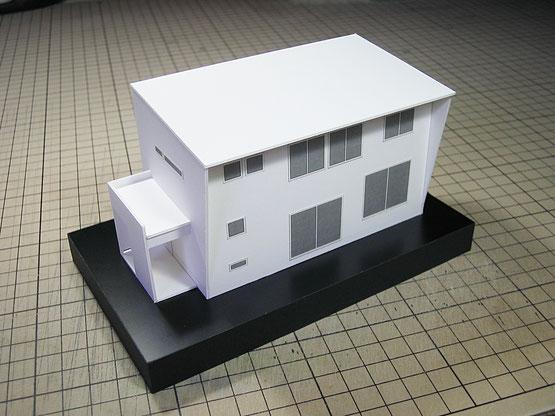 白い1/100の住宅模型