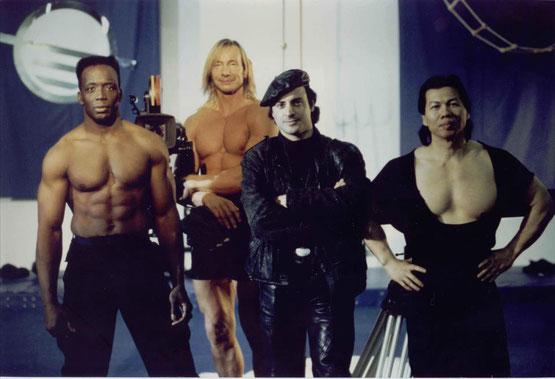 ©Jalal Merhi mit Billy Blanks, Matthias Hues und Bolo Yeung am Set von TC2000