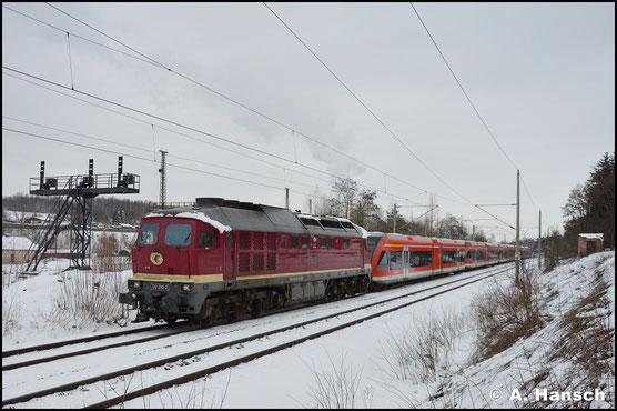 Mit 5 Triebwagen der BR 646 am Haken, durcheilt die Maschine am 5. Februar 2019 Chemnitz-Hilbersdorf