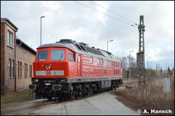 232 669-2 ist am 12. Februar 2019 gerade im Werk Cottbus. Hier kehrt sie von einer kurzen Testfahrt zurück