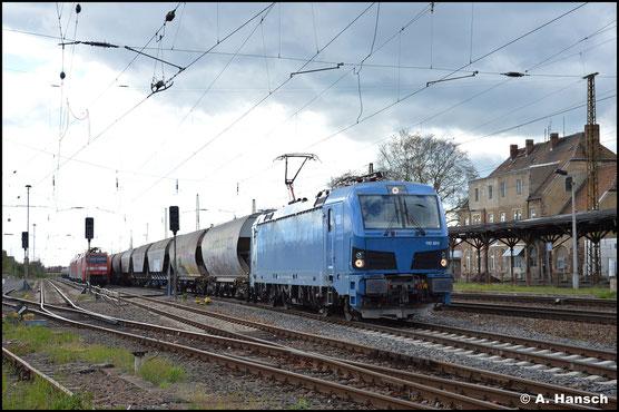 192 024-8 ist für DeltaRail im Einsatz, als sie mir am 05. Mai 2021 in Leipzig-Wiederitzsch begegnet