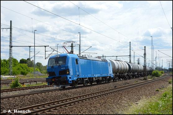 192 018-0 zieht am 5. Juni 2020 einen Kesselwagenzug durch Luth. Wittenberg Hbf.