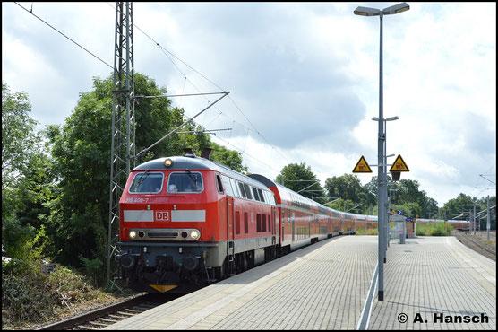 Am 19. August 2019 donnert 218 406-7 mit 12 Dostos durch den Bf. Neumark. Der Zug ist als Lr 70731 von München-Pasing Bbf. nach Wittenberge unterwegs. Liebe Grüße an die freundlichen Tf! :)