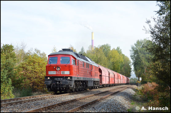 232 567-8 gehört in Chemnitz zu den seltenen Gästen. Am 24. Oktober 2019 hatte ich das Glück, sie am Gipszug aus Küchwald zu erwischen. In Chemnitz-Borna drückte ich den Auslöser