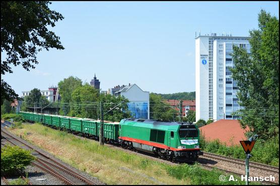 Am 15. Juli 2018 zieht die Lok einen Sandzug von Gößnitz aus nach Leipzig. In Chemnitz-Südbahnhof konnte ich die Fuhre erwischen
