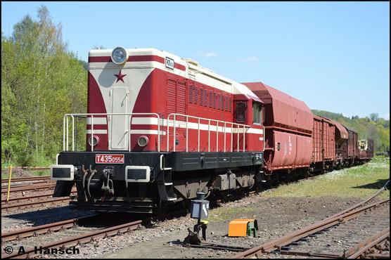 107 554-8 ist äußerlich nach tschechischem Schema gestaltet und als T435 0554 beschildert. Am 7. Mai 2016 ist sie zum Bw Fest Schwarzenberg (Erzg.) ausgestellt
