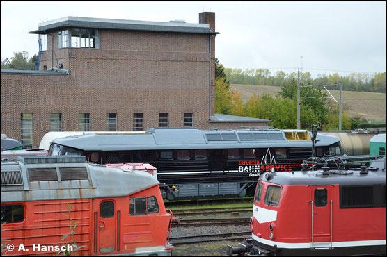 Hinter der EBS-Lok ohne Beschriftung verbirgt sich 232 592-6, welche am 15. Oktober 2020 für Vervollständigungsarbeiten im SEM Chemnitz weilt