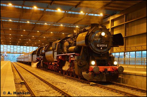 Am 25. Februar 2017 zog 50 3648-8 einen IGE-Sonderzug von Hof nach Chemnitz. Ab Zwickau spannte 52 8131-6 der Fuhre vor. In Chemnitz Hbf. erwartete ich den Zug am Abend bei der Ankunft