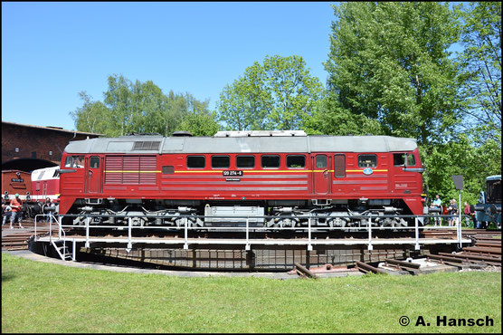 Die Eisenbahnfreunde aus Arnstadt haben 120 274-6 wieder Leben eingehaucht. Am 28. Mai 2017 ist die Lok zum Bw-Fest in Schwarzenberg zu Gast. Hier wird sie auf der Drehscheibe präsentiert