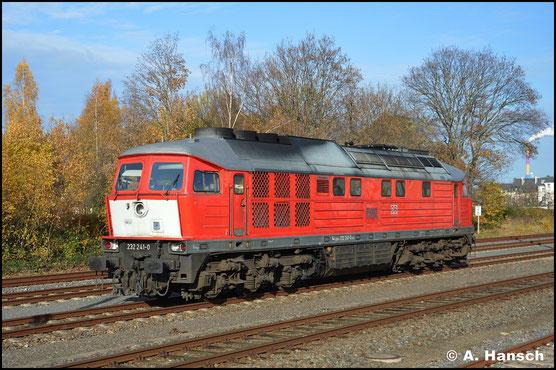 Am sonnigen 19. November 2019 entstand dieses Portrait von 232 241-0 in Chemnitz-Süd. Die Lok brachte eine Sonderübergabe aus Zwickau hier her