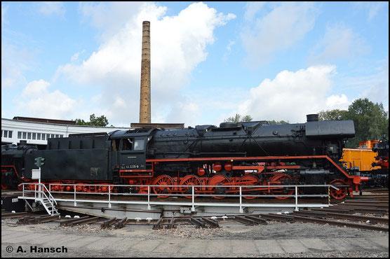 Gerade so passt der Güterzug-Jumbo auf die Glauchauer Drehscheibe (20m Durchmesser)