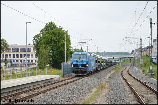 Am 19. Mai 2018 wird 192 001-6 von der EGP zu Testzwecken an den Autozügen von und nach Mosel (bei Zwickau) eingesetzt. Im Bf. Meerane erwartete ich den blauen Exoten