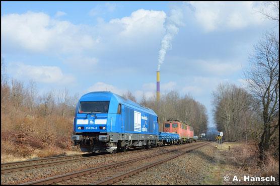 Am 27. März 2018 wird 140 217-1, gemeinsam mit 140 502-6, von 223 051-4 (PRESS 253 014-8) aus Chemnitz nach Espenhain geholt. In Chemnitz-Borna erwischte ich die Fuhre