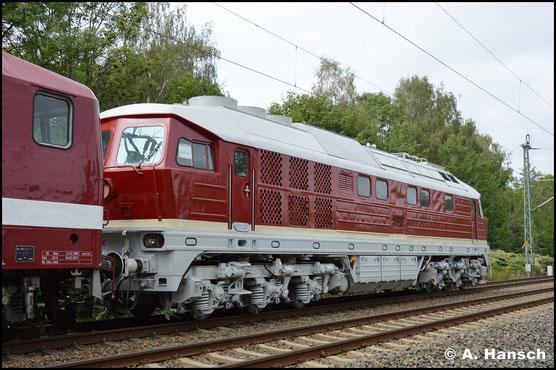 Am 12. September 2019 kehrt die Lok, am Haken von 143 650-0 (DeltaRail 243 650-9) nach Chemnitz zurück. In Daugavpils (Lettland) wurde die Lok aufgearbeitet. Im SEM sollen letzte Arbeiten stattfinden. (Chemnitz-Furth)
