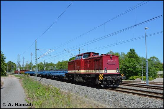 Mit einem Kohlezug nach Cranzahl (DGS 95161), begegnet mir die Lok am 9. Mai 2018 in Chemnitz-Furth