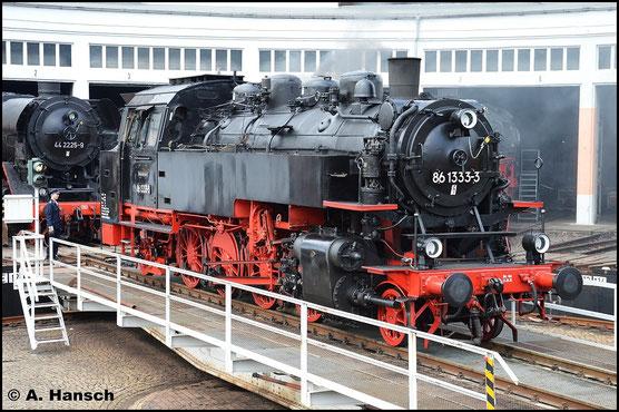 Nicht nur die Tatsache, dass die Lok nun wieder in ihr einstiges Heimat-Bw zurückgekehrt ist, sondern auch die, dass nach über 17 Jahren wieder eine betriebsfähige 86er bei uns zu sehen ist, sorgte für große Freude bei den Eisenbahnfreunden und auch mir