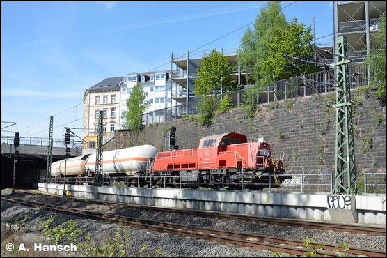 261 081-4 hat am 27. April 2018 mit der Gaskesselübergabe aus Hartmannsdorf gerade den Chemnitzer Hbf. verlassen