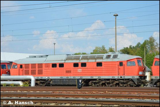 """232 693-2 ist eine von 9 """"Ludmillas"""", die am 29. April 2018 aus Mukran ins DB Stillstandsmanagement überführt wurden. Am 9. August 2018 konnte ich sie vorm AW Chemnitz fotografieren"""