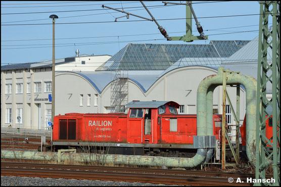 Scheinbar zum Abtransport bereit, steht die Lok am 15. März 2020 am AW Chemnitz