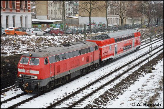 218 415-8 hat mit 445 085-7 fast Chemnitz-Süd erreicht. Das Gespann ist auf dem Weg von Görlitz nach München
