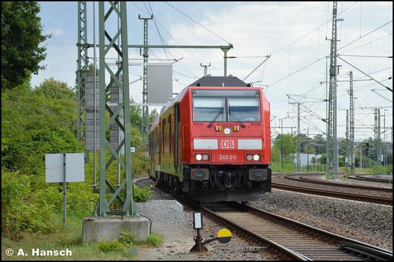 Mit 245 011-2 fand am 25. Juli 2020 eine weitere Lok der BR 245 den Weg nach Chemnitz. Sie brachte drei Triebwagen der BR 640 ins AW Chemnitz