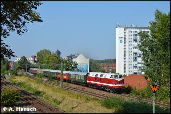Am 19. August 2018 zieht 228 770-4 (als 118 770-7) einen Leerreisezug von Glauchau nach Cottbus. In Chemnitz-Süd konnte der Zug dokumentiert werden