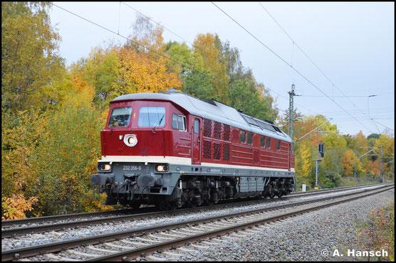 Mehr als 2 Jahre später, am 26. Oktober 2020, erstrahlt die Lok wieder im DR-Altrot und eilt Lz durch Chemnitz-Furth
