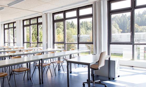Bild neutraler Unterrichtsraum