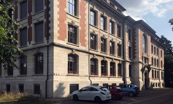 Bild Hauptgebäude in Burgdorf