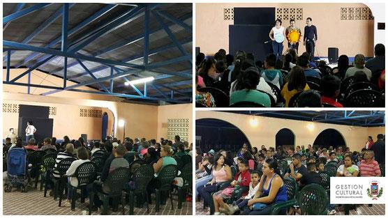 Compañía de teatro La Bicicleta / Salón Comunal de Santiago, 12/04/16
