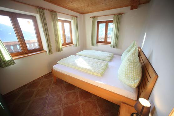 Schlafzimmer mit Ausblick au den Mirnock