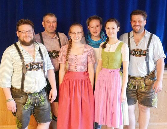 Jungendleiter und Team des Trachtenverein Neukirchen
