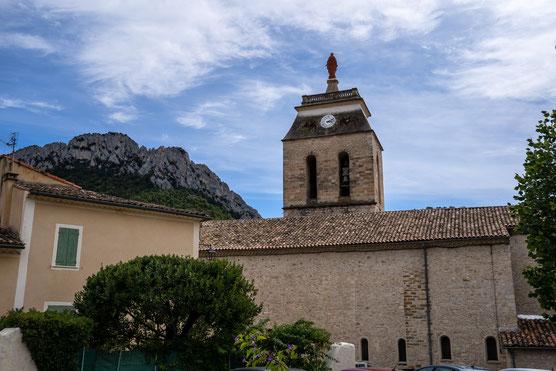 Bild: Buis-les-Baronnies mit Église Notre-Dame-de-Nazareth im Département Drôme