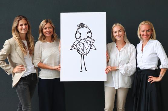 """Das Team von BRILLIANT Communications freut sich, ab sofort """"Quipster"""", das Fashion-Label aus Salzburg im """"brillianten"""" Portfolio zu begrüßen."""