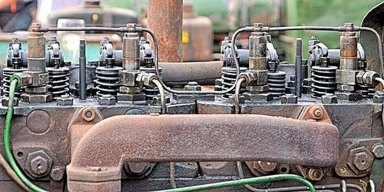Dieselmotor für einen Traktor. Dieselmotoren für PKWs, LKWs, landwirtschaftliche Fahrzeuge und Busse gab es erst ab 1922/23