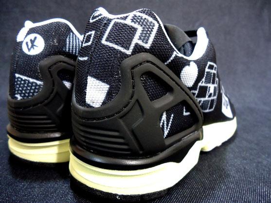 adidas originals スニーカー