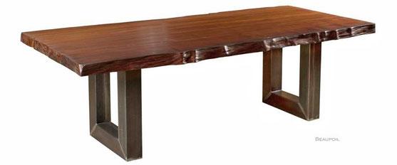 Großer Kauri Holztisch an einem Stück gewachsen aus einzigartigem Kauri Holz, außergewöhnlicher Holztisch als Blickfang, Baumstammtisch mit geölter Oberfläche