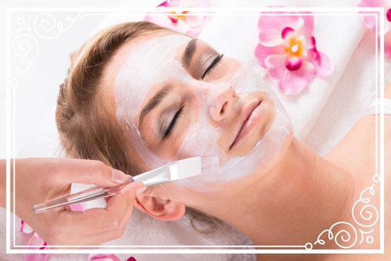 Gesichtsreinigung, Gesichtsbehandlung, Kosmetikstudio Münchenbuchsee, Kosmetikerin