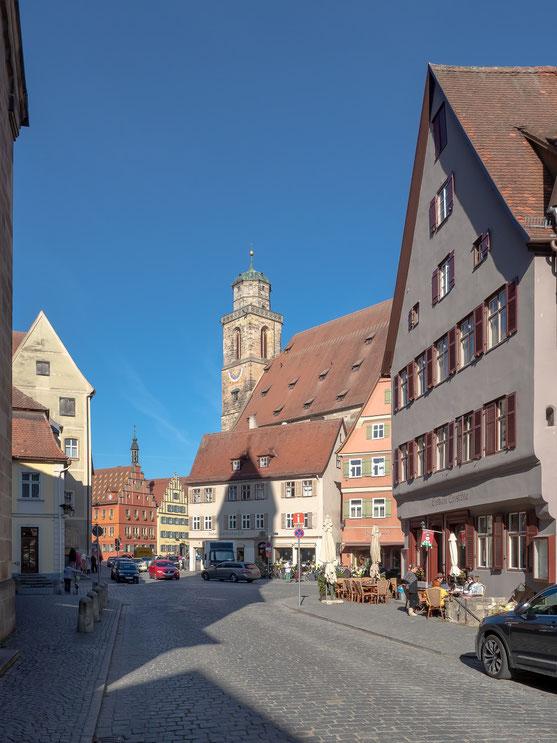 Das Stadtbild wird von dem in der Mitte der mittelalterlichen Stadt gelegenen Münster St. Georg geprägt