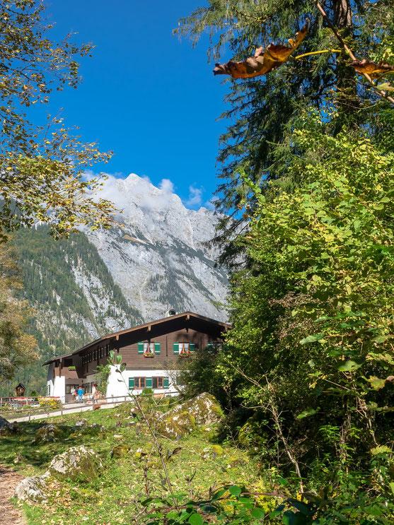 Auf dem Rückweg vom Obersee zur Anlegestelle Salet ist dieses Wirtshaus gelegen.
