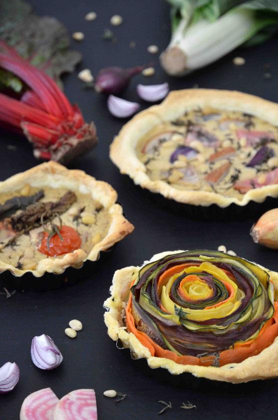 Bunte Gemüse-Quiches lassen sich immer wieder neu kreieren - je nach verfügbaren Zutaten und eigenem Geschmack. Der kulinarischen Vielfalt sind da keine Grenzen gesetzt.