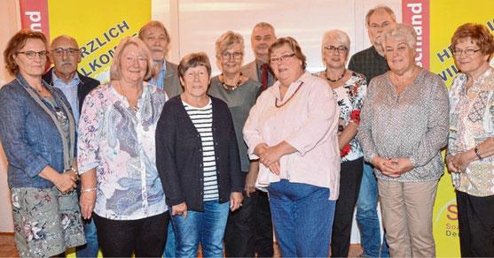 Der neue Vorstand des Sozialverbandes (v.l.): Beate Rekittke-Radebold, Edgar Wulf, Irene Preine, Bernd Schwutzke, Telse Hoffmann, Heinke Langbehn, Peter Sprenger, Dagmar Erdmann, Regina Wulf, Günter Pruin, Ingeborg Brandt und Christa Möller.
