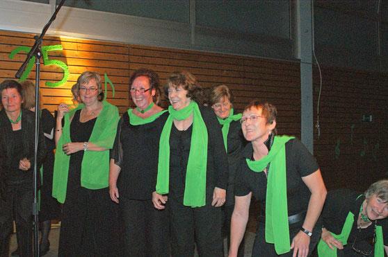 Singen macht Spaß - fröhliche Sängerinnen von Da Capo in Wernborn