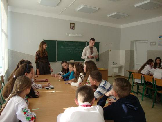 """Гра """"Знавці математики"""" в 7-их класах (20.02.17 р.)"""