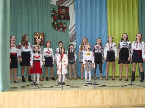 Співають наші першокласники