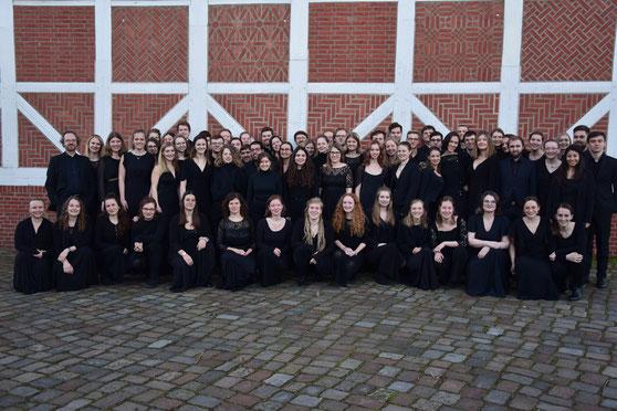 der Bundesschulmusikchor 2020 vor seinem zweiten Konzert in St. Johannis zu Eppendorf, Hamburg