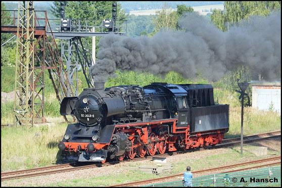 Nach 6 langen Jahren steht die vereinseigene Reko-50er nun endlich wieder unter Dampf. Am 30. August 2015 beobachtete ich die Maschine bei der Fahrzeugparade