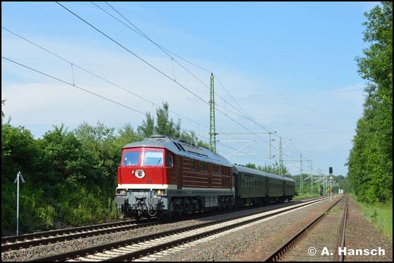 Am 30. Mai 2018 soll 232 601-5 zwei Loks der BR 232 aus dem DB Stillstandsmanagement in Chemnitz holen. In Chemnitz-Hilbersdorf treffe ich die Lok mit 3 Begleitwagen an