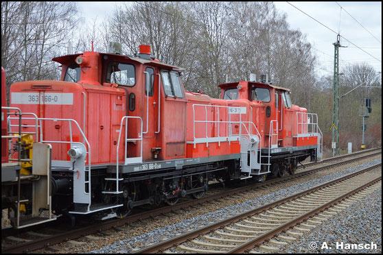 363 166-0 ist am 21. März 2020 in einem Lokzug von Cottbus nach Nürnberg unterwegs. In Chemnitz-Furth konnte ich die Lok auf den Chip brennen